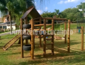 Playground em Eucalipto Tratado